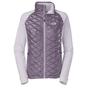The North Face Women's Momentum Thermoball Hybrid